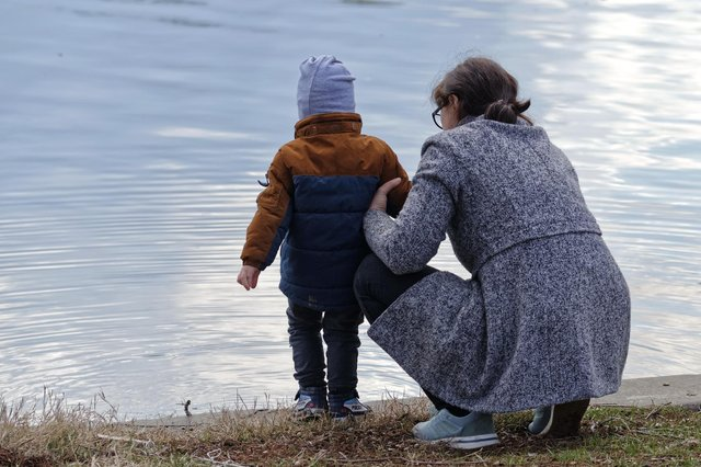 Nearly 100 parents in Falkirk failed to pay child maintenance during the latest lockdown, figures show.