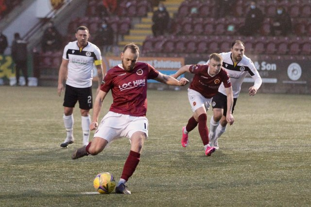 Greig Spence has left Stenhousemuir to join East Fife on loan until the end of the season