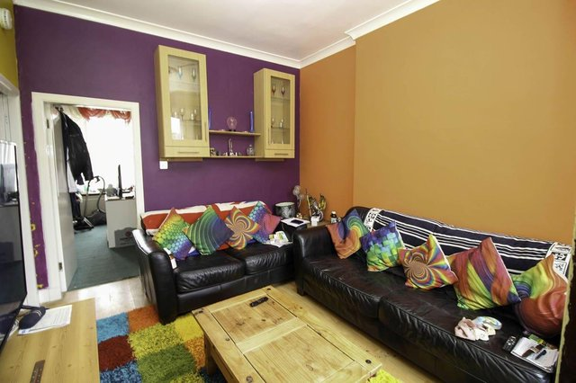 The one-bedroom flat in Falkirk at auction for just £14,000 (Future Property Auctions / SWNS)