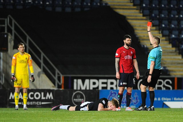 Mark Durnan sees red (Pic by Michael Gillen)