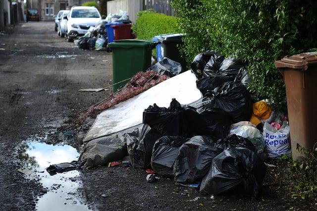 Eyesore rubbish dumped in Bainsford (Pic: Michael Gillen)