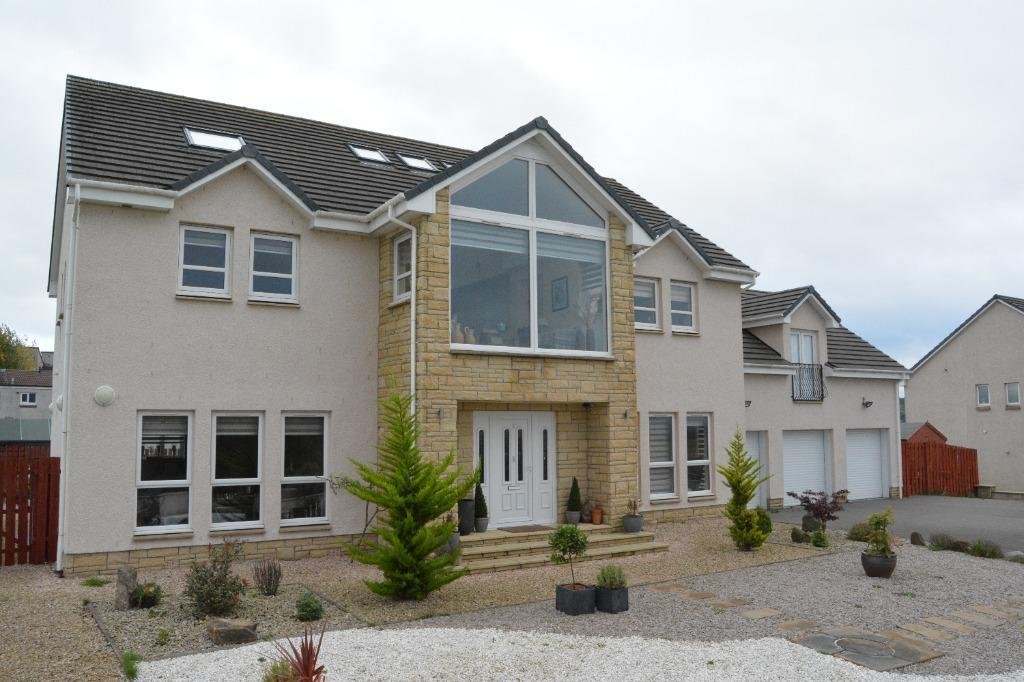 Falkirk property: Outstanding, individually built, luxury 8-bedroom detached villa with separate 'granny flat' and wonderful views