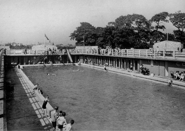 The outdoor pool in Grangemouth.