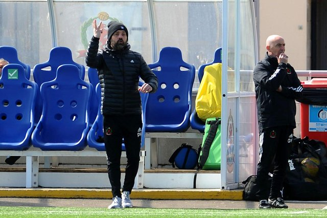Paul Hartley's Cove Rangers are the bookies favourite to win League 1 this season