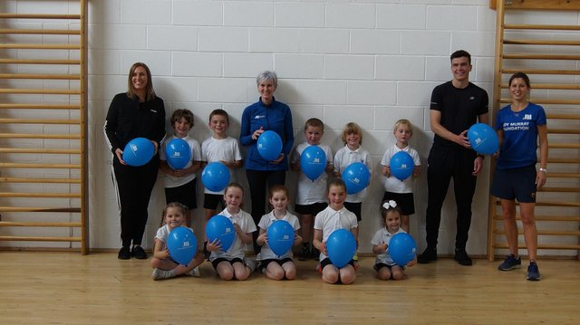 Judy Murray with pupils from Wallacestone Primary School