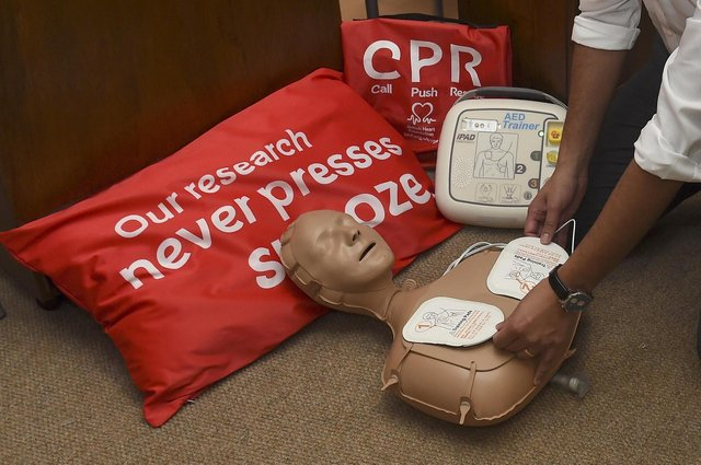 A defibrillator will be set up and made accessible 24/7 in Stenhousemuir town centre after a fundraising campaign hit its target. Picture: Lisa Ferguson.