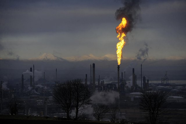Petrochemical giant Ineos has apologised to Grangemouth residents for increased flaring this week