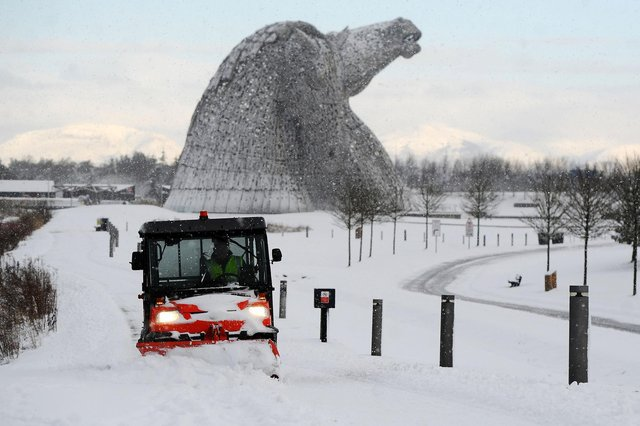 Clearing paths around the Kelpies (Pic: Michael Gillen)