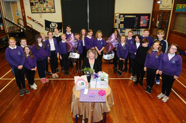 Shieldhill Primary School P7s say goodbye to Ms Robyn Wisbey as she retires after 12 years as head teacher of both Shieldhill and California primary schools