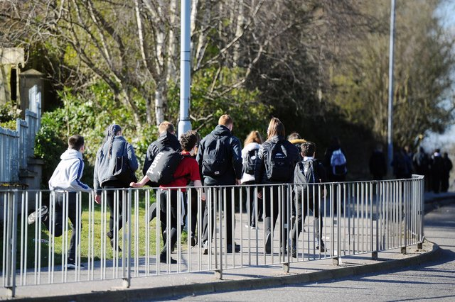 Falkirk High School pupils leaving the end of their school day (Pic: Michael Gillen)
