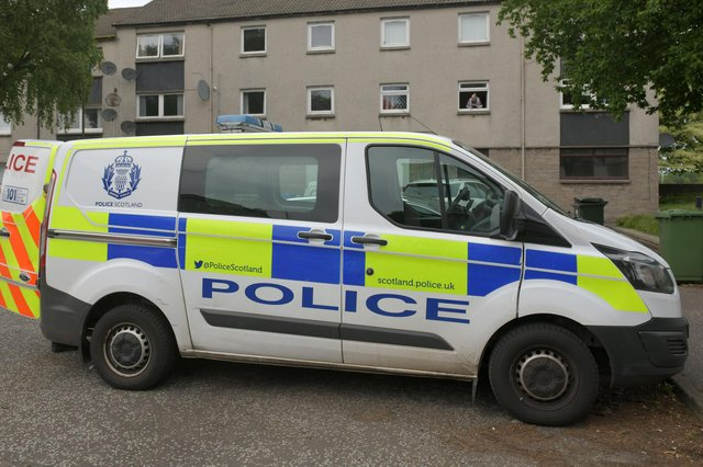 Langlees woman Rosanne Toye made threats towards police en route to Falkirk Police Station. Picture: Michael Gillen.